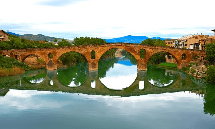 Puente la Reina nel tratto da Roncisvalle a Logroño