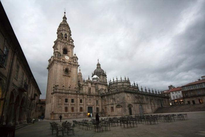 Piazza A Quintana e l'ombra del pellegrino