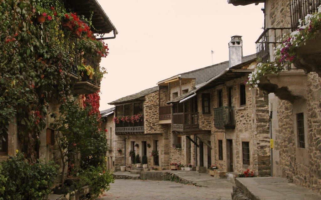 Scopri la via Sanabrese: un percorso antico e magico