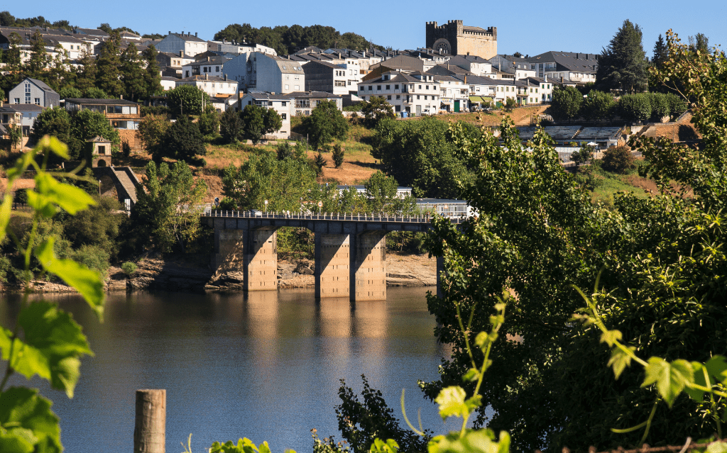 Portomarín • una città resuscitata dal fiume Miño