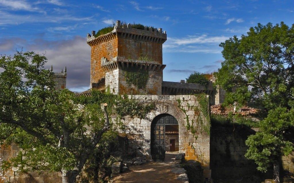 Palas de Rei • Conoce su histórico Castillo del medievo
