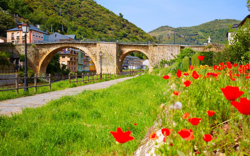 Villafranca del Bierzo • Get to know its impressive architectural heritage