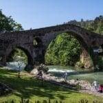 Cangas de Onís • Enjoy the best routes, monuments and exquisite gastronomy.