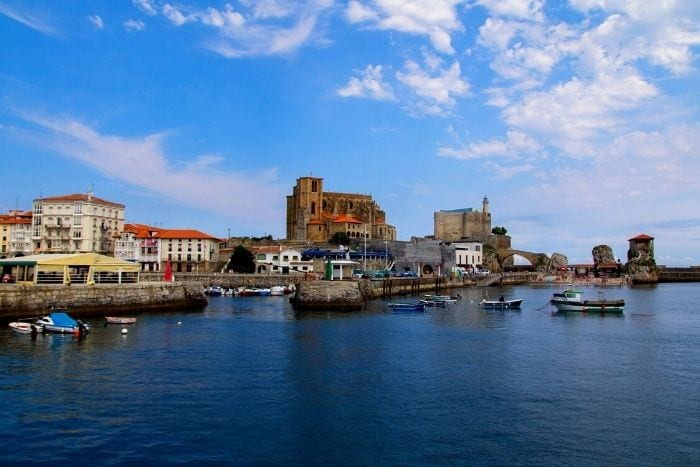 Castro Urdiales • Get to know a city with a historic centre and super attractive beaches.