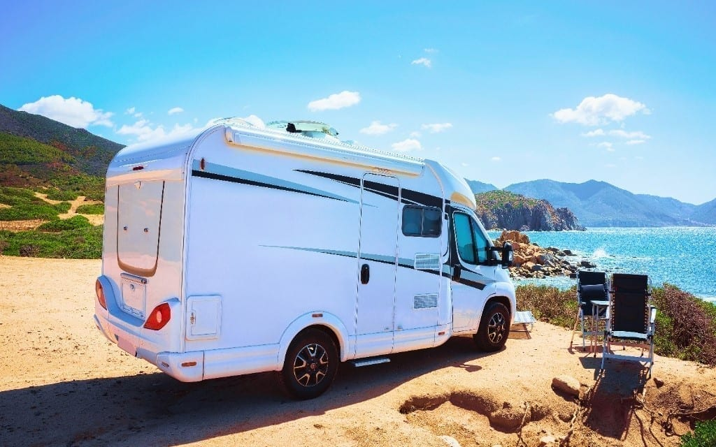 Caravana frente al mar