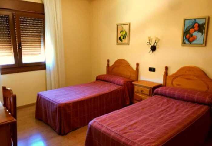 hoteles-pensiones-caminio-frances-burgos-leon-1