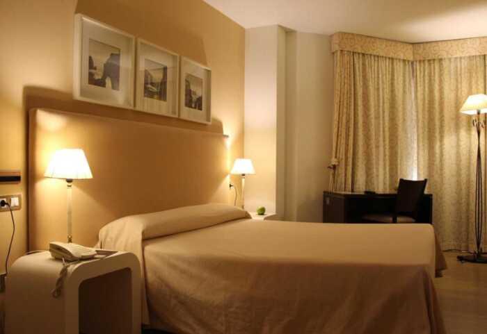 hoteles-pensiones-camino-norte-ribadeo-santiago-1