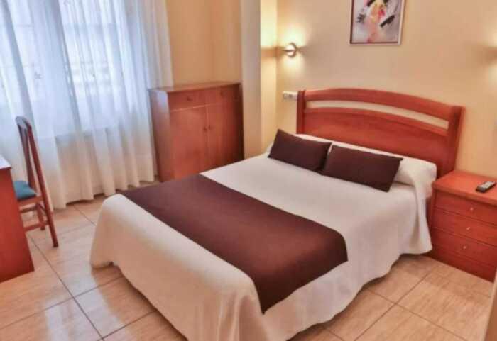 hoteles-pensiones-ruta-faros-1
