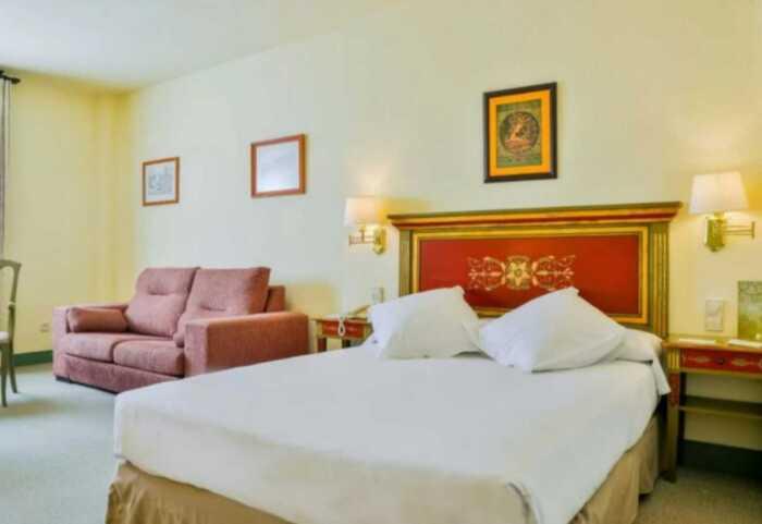 hoteles-pensiones-via-plata-sevilla-merida-4