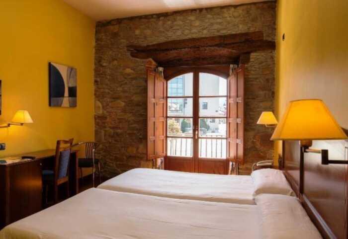 hoteles-superior-caminio-frances-leon-ocebreiro-3