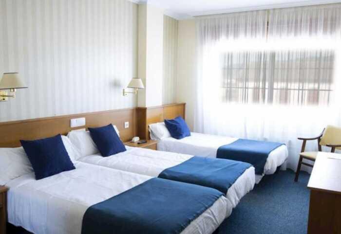 hoteles-superior-camino-portugues-tui-santiago-1